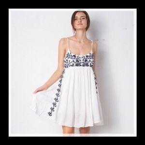 WHITE W/DARK BLUE EMBROIDERED FLOWERS FLOWY DRESS